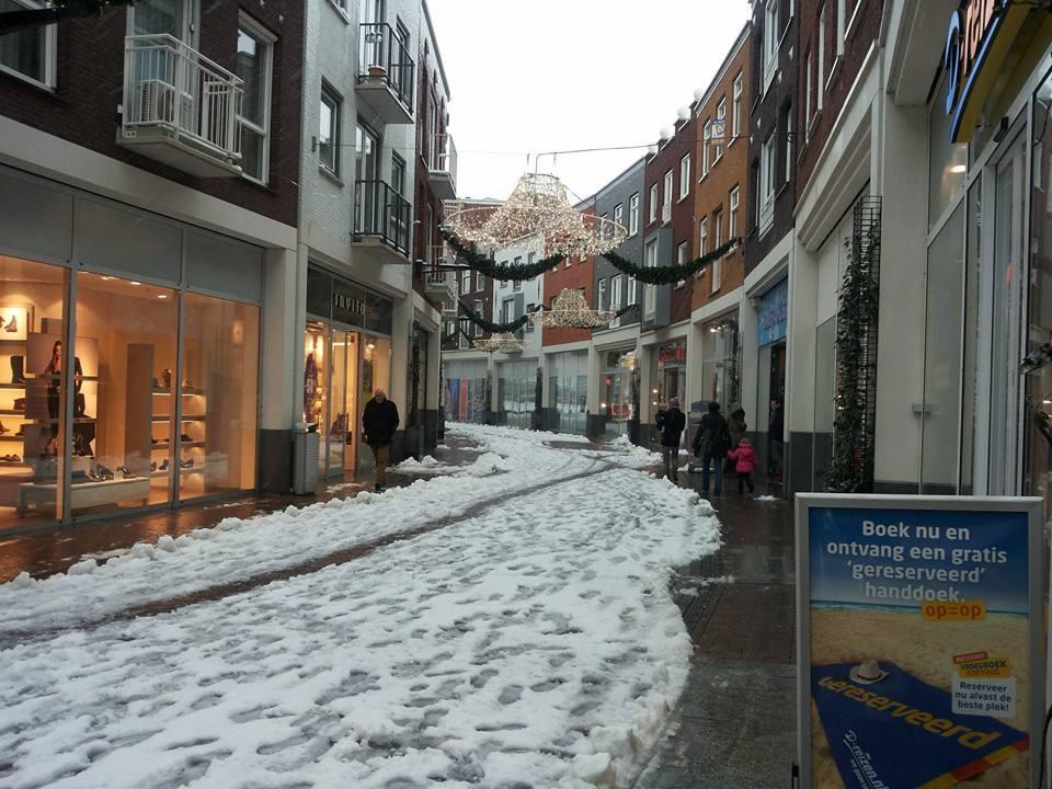 Lege straten in het winkelhart Spijkenisse